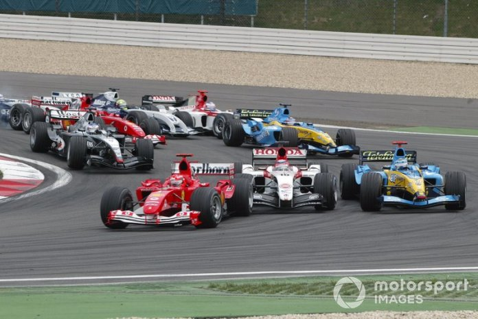 Michael Schumacher, Ferrari F2004 líder al inicio