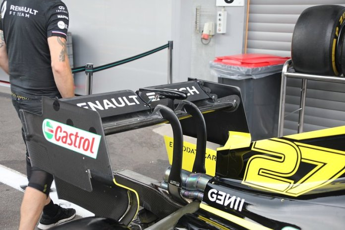 The rear wing of the Renault F1 Team R.S.19