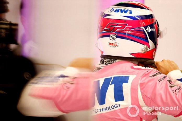 Sergio Pérez, Racing Point en el garaje antes de probar