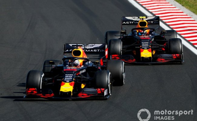 Max Verstappen Red Bull Racing Rb15 Laps Pierre Gasly