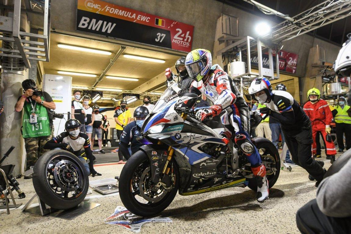 # 37 BMW Motorrad: Markus Reiterberger, Illya Mykhalchyk, Javier Fores