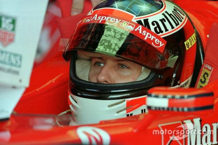 1998: Schumacher se aferra a sus colores