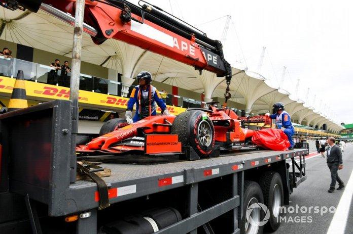 Brasil 2019: toque con Leclerc y doble abandono en Interlagos