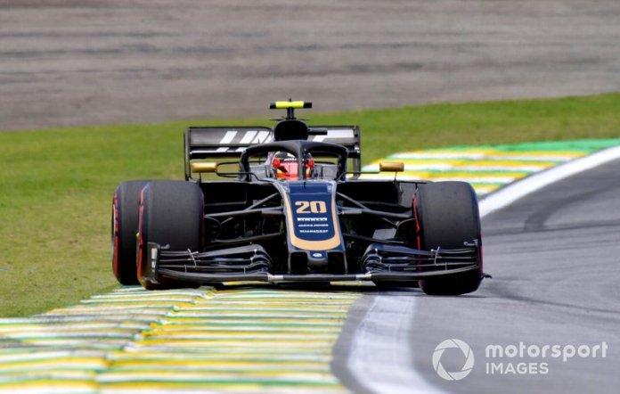 11º Kevin Magnussen, Haas F1 Team VF-19 1:33:27.410