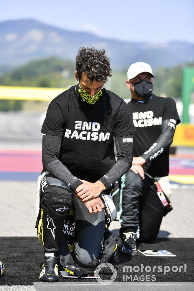 Daniel Ricciardo, Renault F1, Valtteri Bottas, Mercedes-AMG F1 en apoyo de la campaña para el fin del racismo