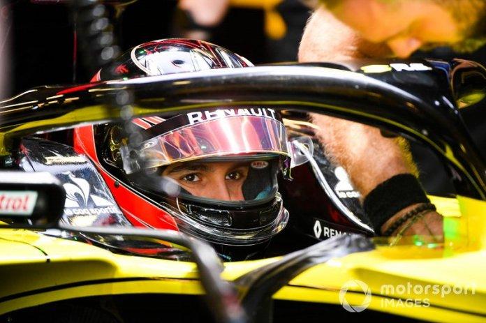 Esteban Ocon, Renault F1 Team R.S. 19
