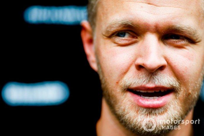 Kevin Magnussen, Haas F1, habla con los medios de comunicación