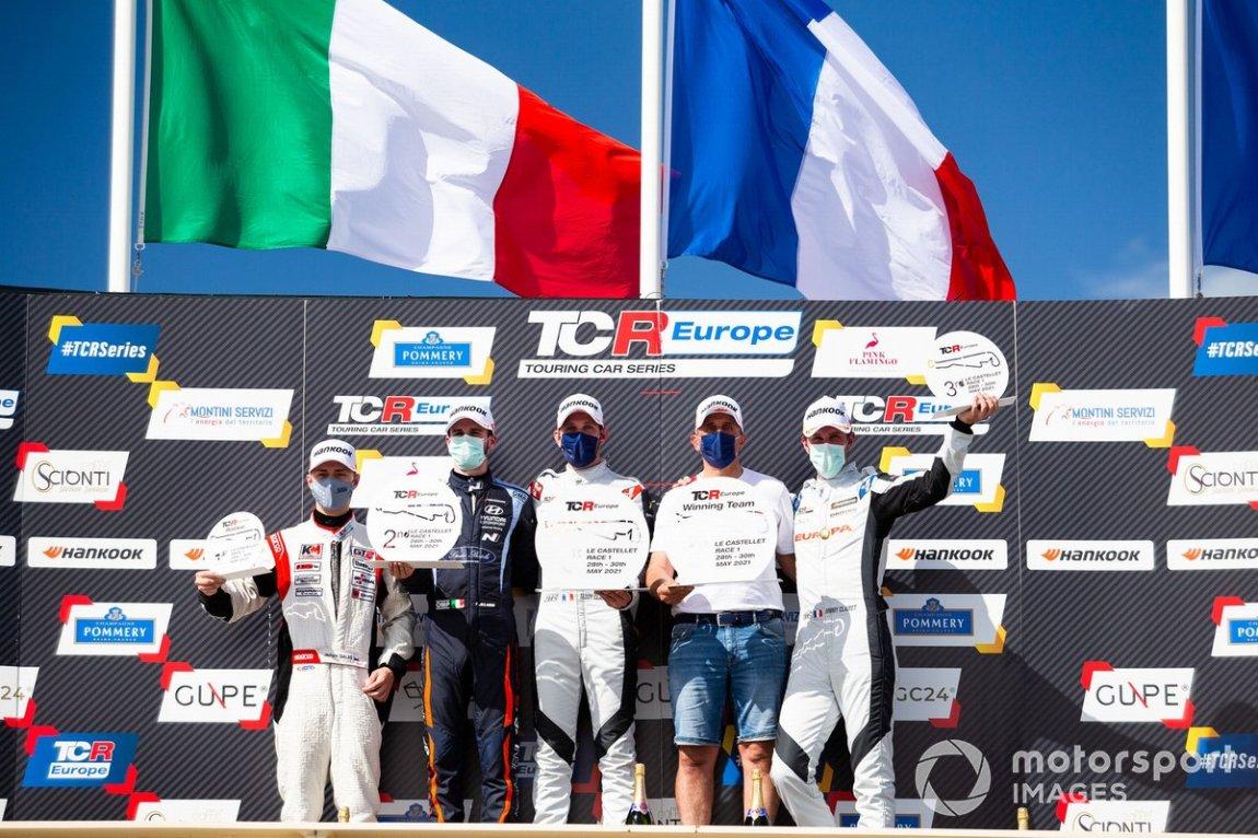 Race 1 podium: Jáchym Galáš, Janík Motorsport, Felice Jelmini, Sébastien Loeb Racing, Teddy Clairet, Team Clairet Sport, Jimmy Clairet, Team Clairet Sport