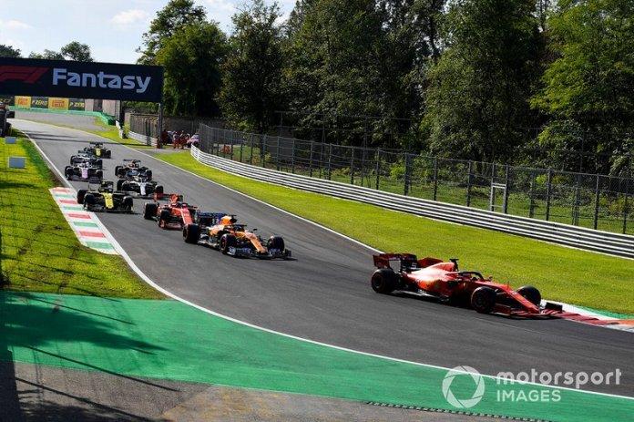 """Vettel: """"Entonces díganle a Leclerc que se ponga adelante"""""""