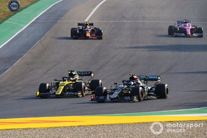 Daniel Ricciardo, Renault F1 Team R.S.20, Valtteri Bottas, Mercedes F1 W11