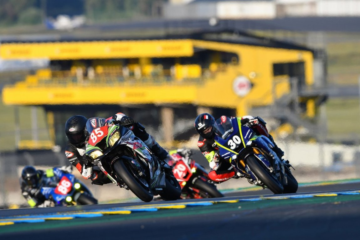 # 85 Team Racing 85: Kevin Jacob, Jeremy Herault, Marc Bachelier