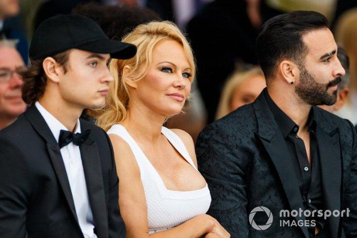 Pamela Anderson en el desfile de Amber Lounge del GP de Mónaco
