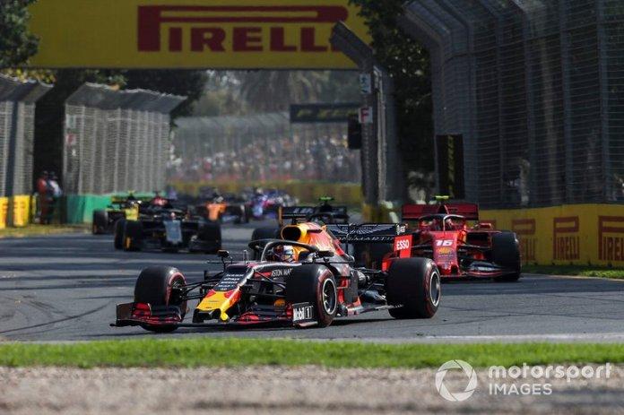 Max Verstappen, Red Bull Racing RB15, Charles Leclerc, Ferrari SF90, y Kevin Magnussen, Haas F1 Team VF-19