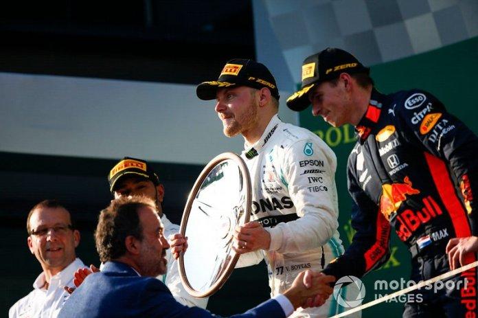 Lewis Hamilton, Mercedes AMG F1 Valtteri Bottas, Mercedes AMG F1, y Max Verstappen, Red Bull Racing