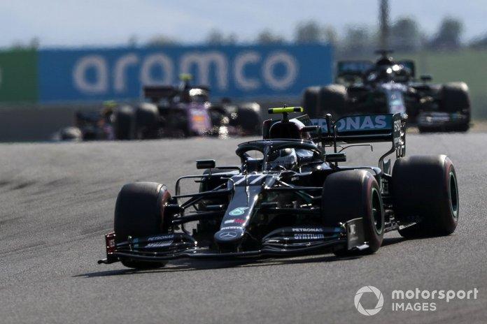 Valtteri Bottas, Mercedes F1 W11, Lewis Hamilton, Mercedes F1 W11, Charles Leclerc, Ferrari SF1000