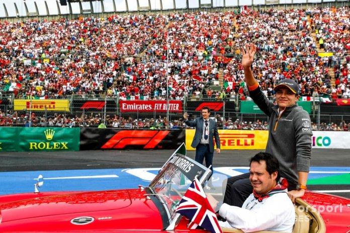Lando Norris, McLaren, en el desfile de pilotos