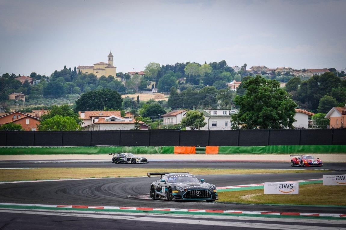 # 20 SPS automotive performance Mercedes-AMG GT3: Valentin Pierburg, Dominik Baumann