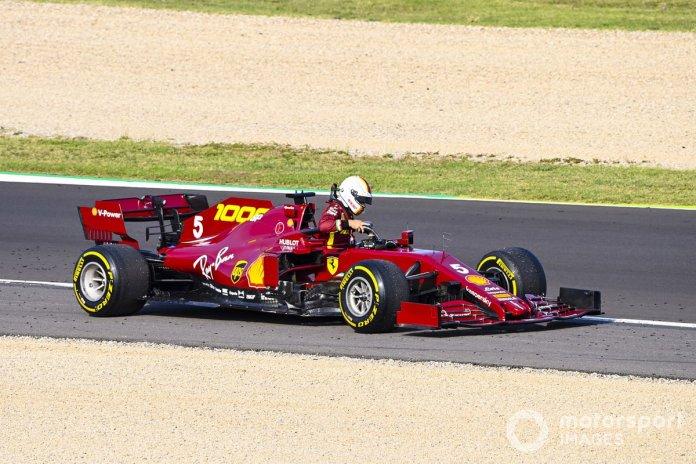 Sebastian Vettel, Ferrari SF1000, detenido en la pista