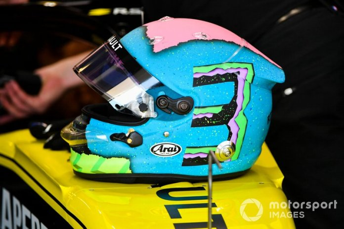 Casco de Daniel Ricciardo, Renault