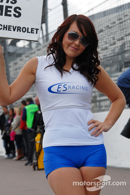 ES Racing grid girl at Rockingham