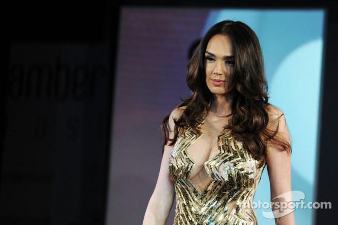 Tamara Ecclestone en el Amber Lounge Fashion Show