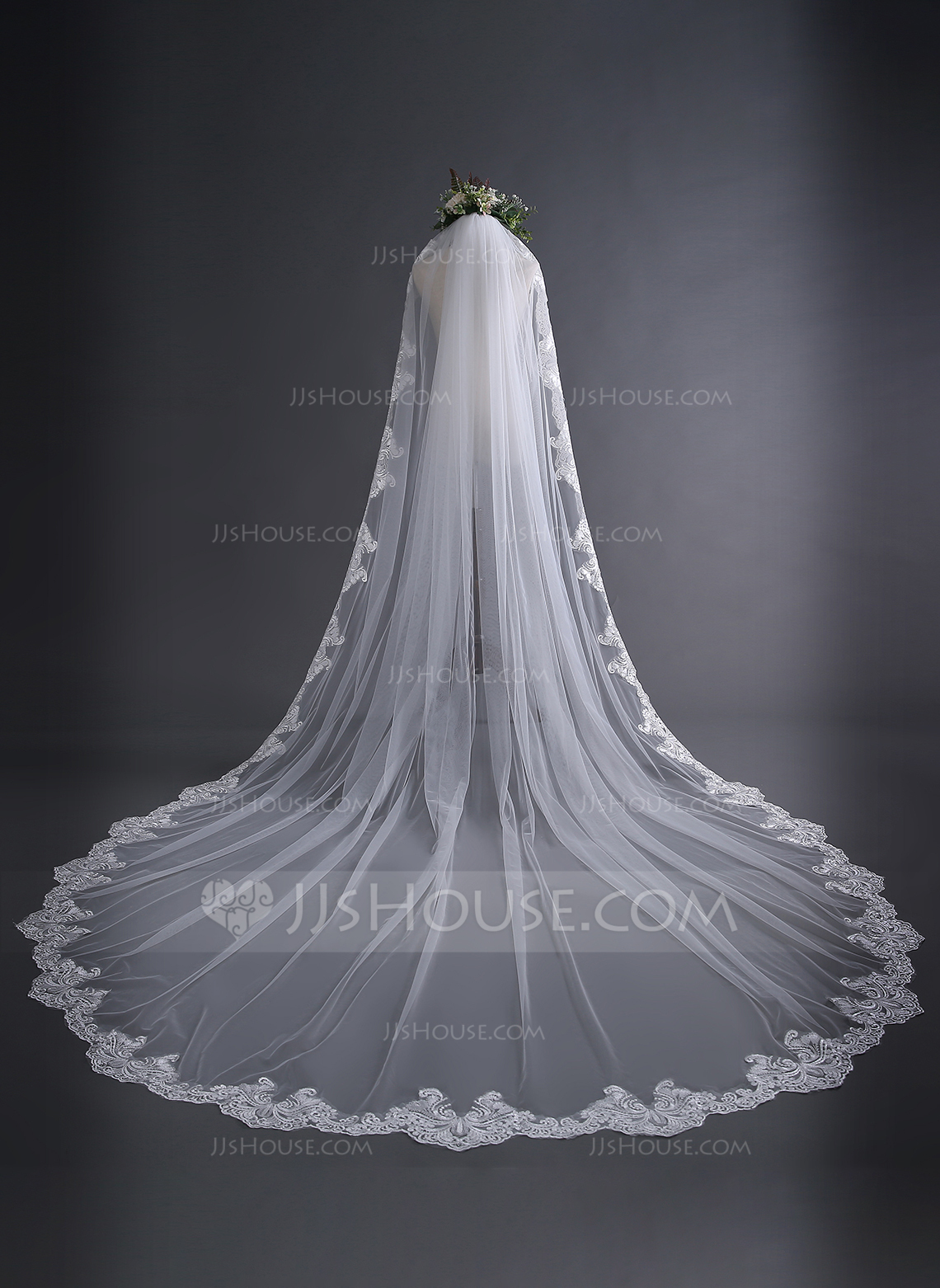 One Tier Lace Applique Edge Cathedral Bridal Veils