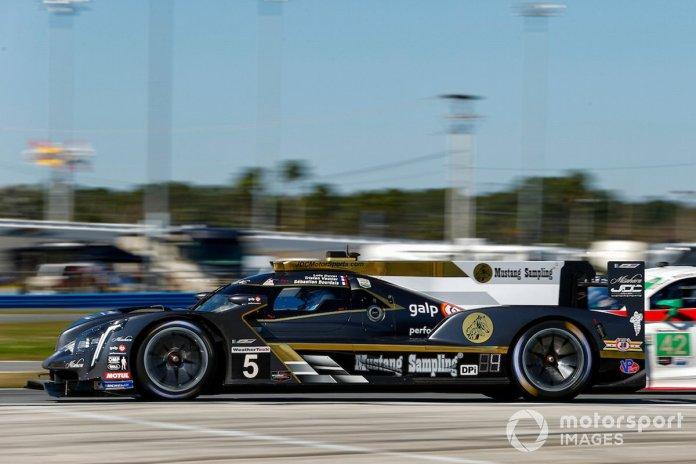 #5 JDC/Miller MotorSports Cadillac DPi-V.R: Tristan Vautier, Sebastien Bourdais, Loic Duval