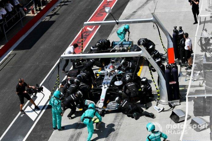 Una parada en pits de Lewis Hamilton y el preciso trabajo de Mercedes.