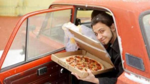 menikah dengan pizza