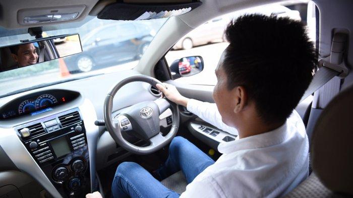Fokus saat menyetir dan menggunakan sabuk pengaman saat berkendara bisa menciptakan 'Peace of Mind' pada pengendara ketika berada di jalan.