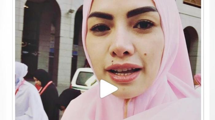 Nikita Mirzani Hijab