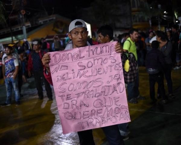 El presidente Trump ha asegurado que los migrantes centroamericanos son en gran parte delincuentes, afirmación que los integrantes de la caravana rechazan. En la víspera, el grupo estaba en Guatemala.