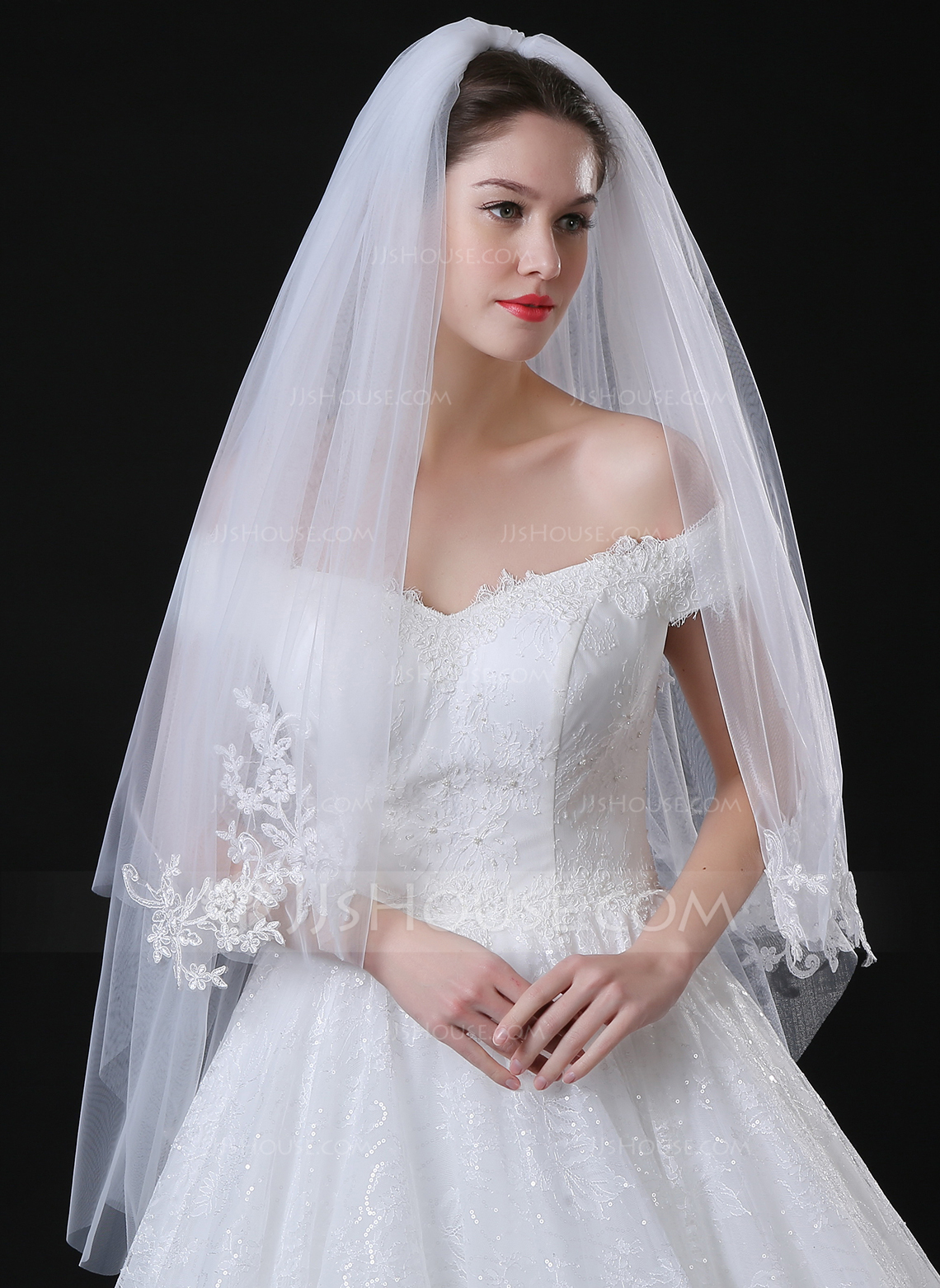 Two Tier Lace Applique Edge Fingertip Bridal Veils With