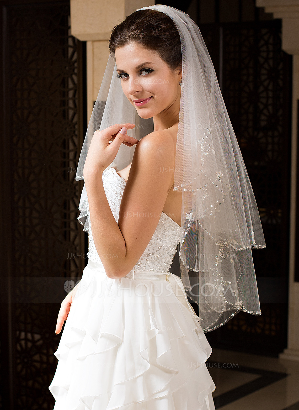 Two Tier Elbow Bridal Veils With Beaded Edge 006034328