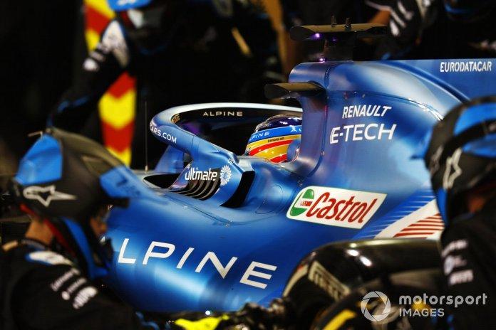 Fernando Alonso, Alpine A521, në gropa