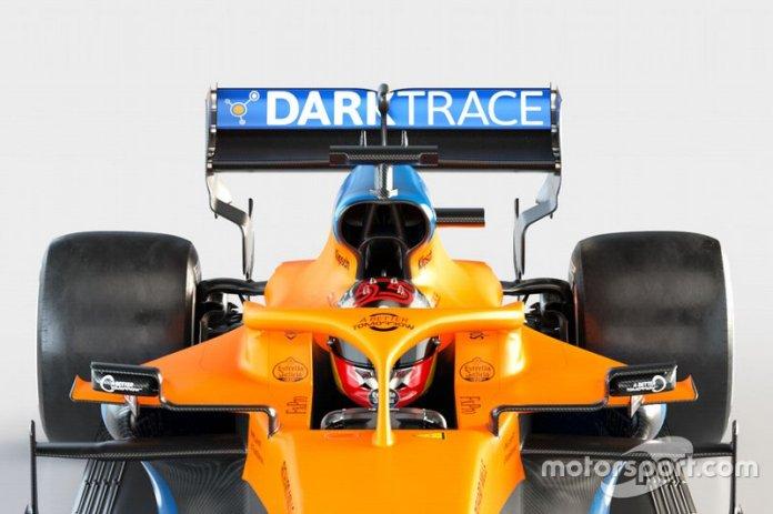 McLaren MCL35, dettaglio della bocca dei radiatori in alto