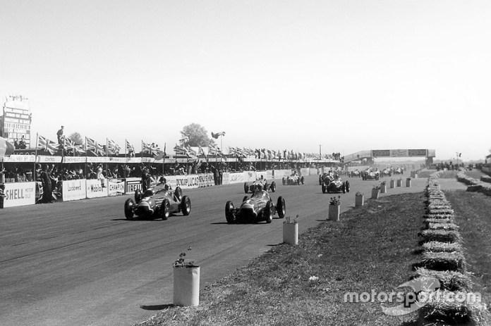 Juan Manuel Fangio, Alfa Romeo y Luigi Fagioli lead