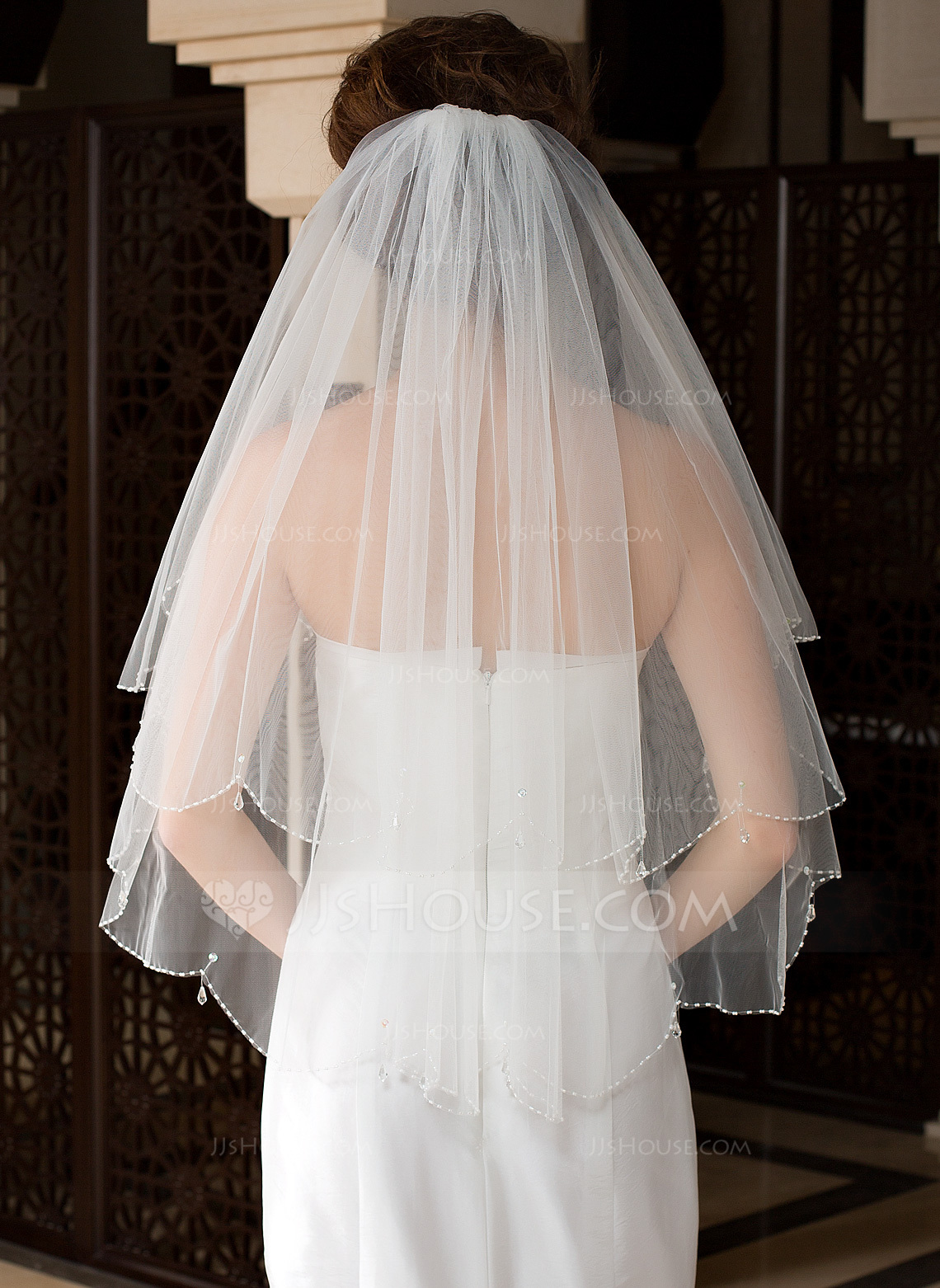 Two Tier Elbow Bridal Veils With Beaded Edge 006036615