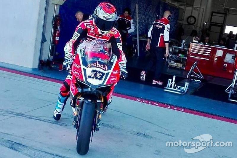 Test di Aragon, Day 1: Melandri debutta sulla Ducati. Problemi per Rea