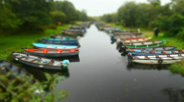 Special effects mode - miniature - showing boats on either side of a canal