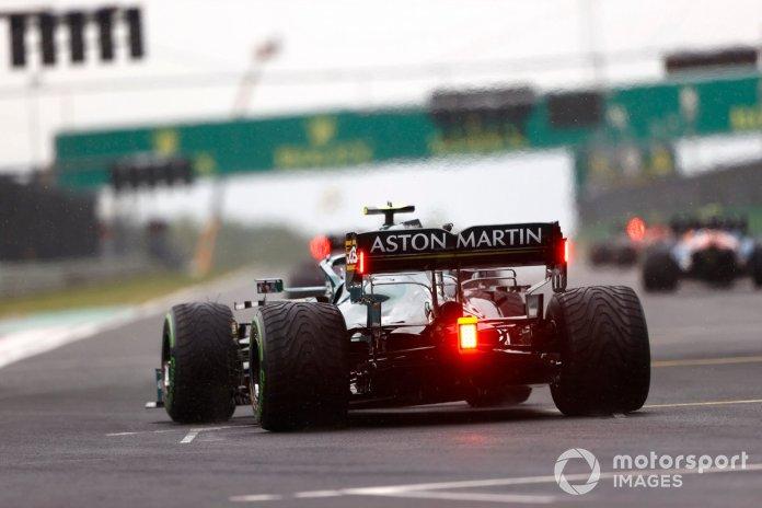 Sebastian Vettel, Aston Martin AMR21, takes his grid spot for the start
