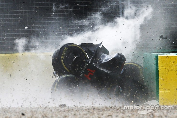 Australian grand prix crash