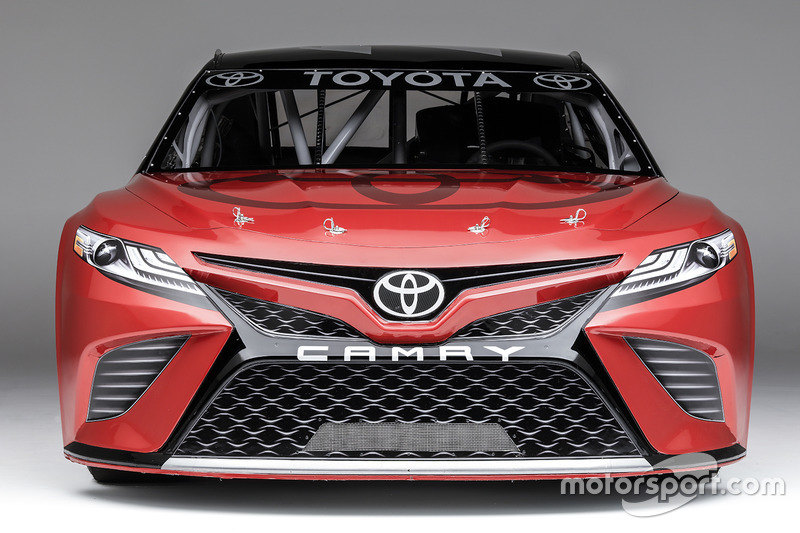 all new toyota camry harga kijang innova q unveils look for nascar the 2017 based on 2018 road car