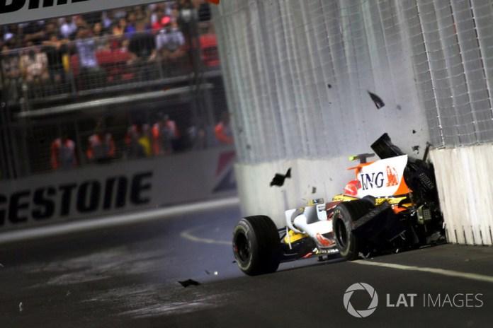 El accidente de Nelson Piquet Jr. en el GP de Singapur de 2008.
