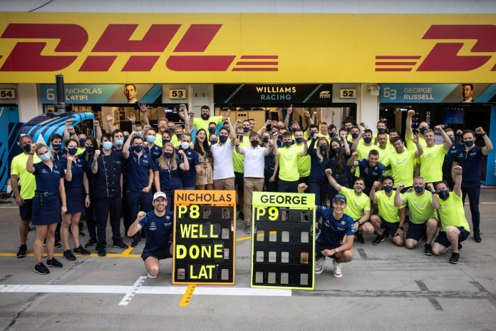 Nicholas Latifi, Williams Racing and George Russell, Williams Racing celebrate with the team
