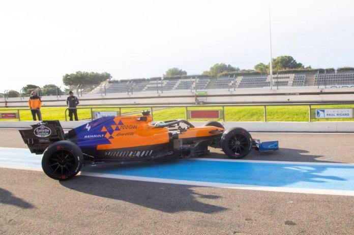 Lando Norris, McLaren, con los neumáticos de 18 pulgadas.