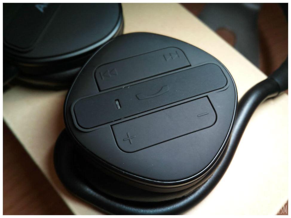 AUKEY bluetoothヘッドホンファンクションボタン