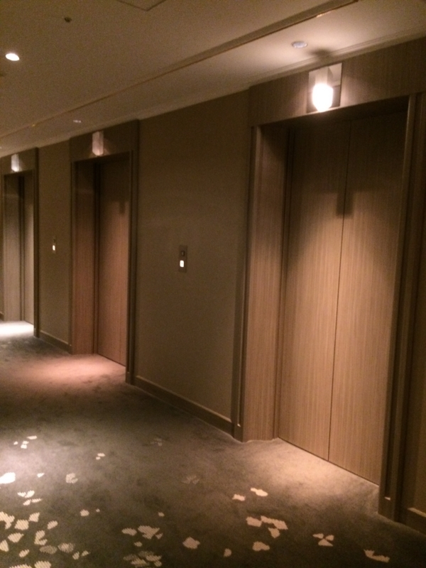 東京マリオットホテルのエレベーターホール