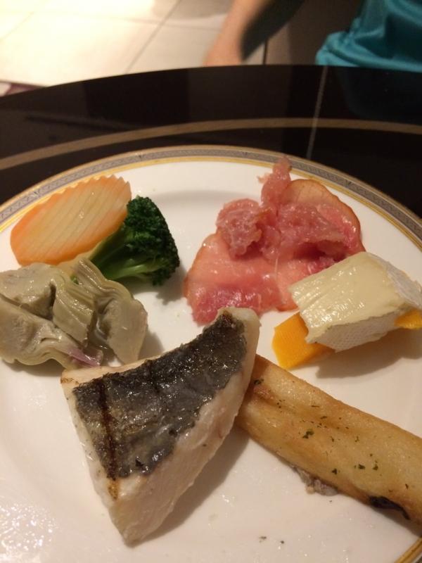東京マリオットホテルのエグゼクティブ・ラウンジのオードブル