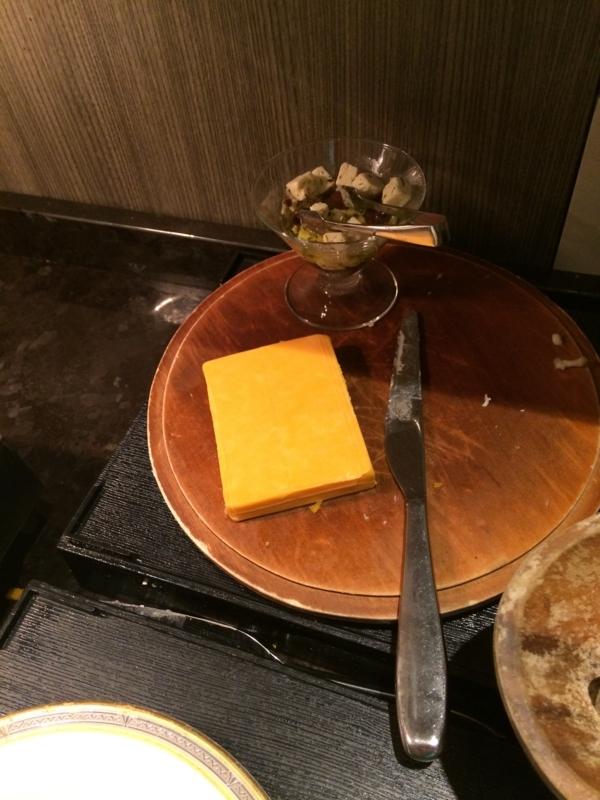 東京マリオットホテルのエグゼクティブ・ラウンジのチーズ